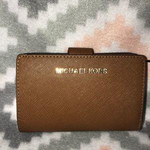 🍂Micheal Kors bifold wallet 🍂